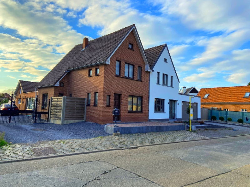 Gezinswoning op zeer mooi perceel te Diepenbeek.